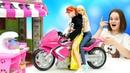 Красивые куклы в видео - Барби знакомится с Парнем в Кафе! – Ролевые игры для девочек с Barbie