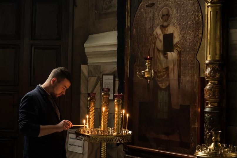 Икона святителя Николая в обожженном резном киотеПетропавловский собор, г. Томск. Единственная сохранившаяся икона из иконостаса Троицкого собора