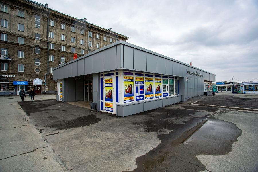фото Коронавирус убивает рынок наружной рекламы: баннеры исчезли с улиц и метро Новосибирска 9