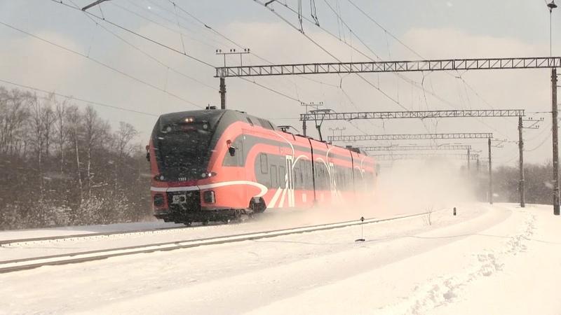 Штадлерский электропоезд 1323 на ст Лагеди Stadler EMU 1323 at Lagedi station