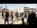 Срочно В Сирии забросали камнями конвой армии США