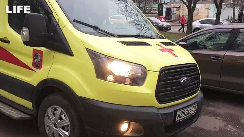 Мать с двумя детьми выпала с 9 го этажа в Москве