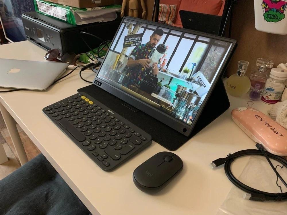 Портативный монитор 156 может работать от powerbank Используют для подключения смартфона консолей ПК в тч в качестве вто