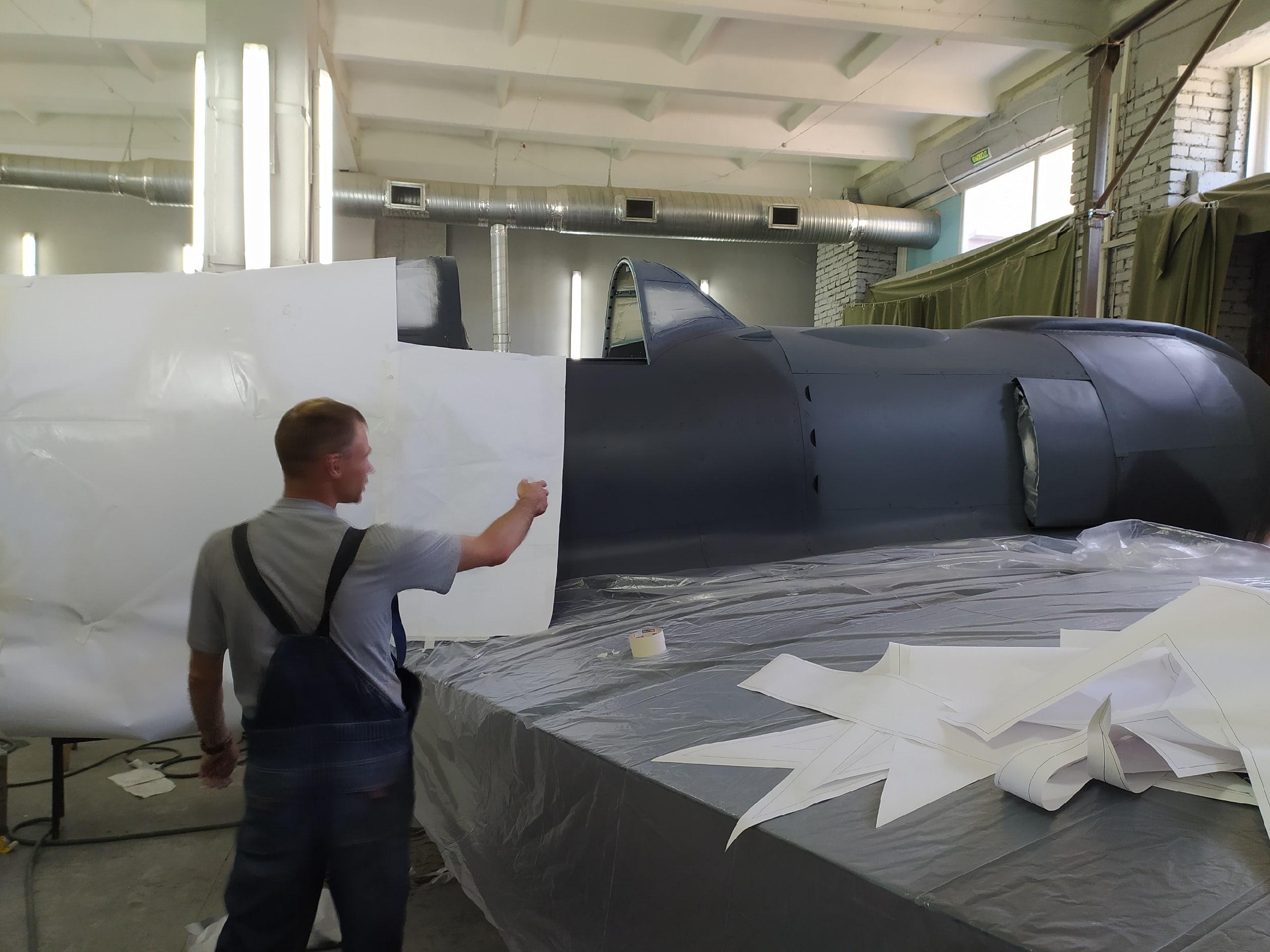 фото В Новосибирске восстанавливают уникальный истребитель времён Второй мировой: на корпусе Ла-5 снова засияют красные звёзды 2